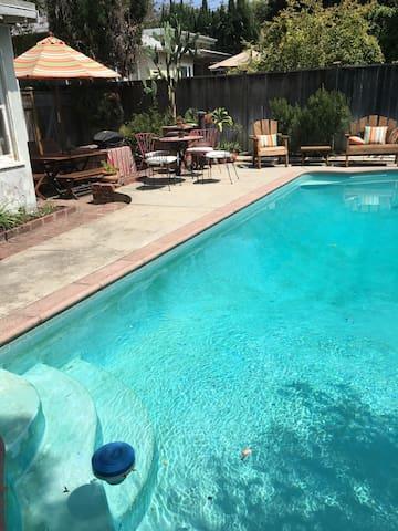 HIDDEN GEM: Quiet Bed&Bath + Pool