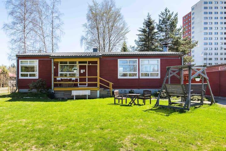 Bungalow- house w garden near Helsinki Vantaa