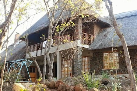 Exquisite lodge facing the famous Darwendale dam.