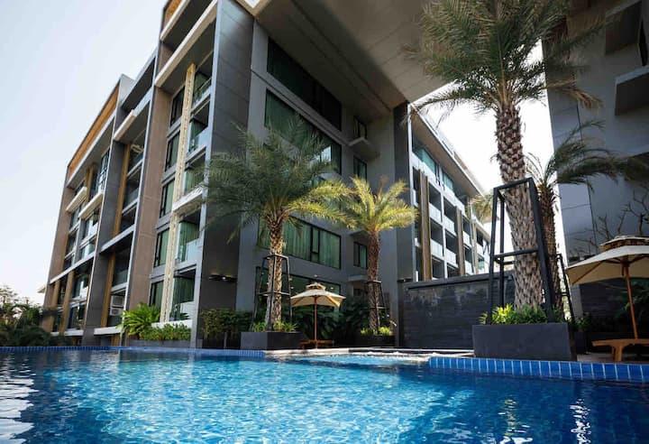 素贴山景公寓一室一厅75平方星级配套/近市区/无边泳池/桑拿房/图书馆/健身房/空中花园