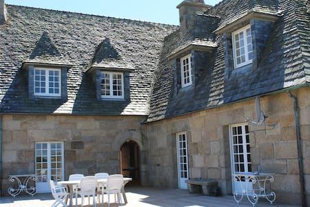 Bretonisches Herrenhaus direkt am Meer +Leuchtturm - Plouguerneau