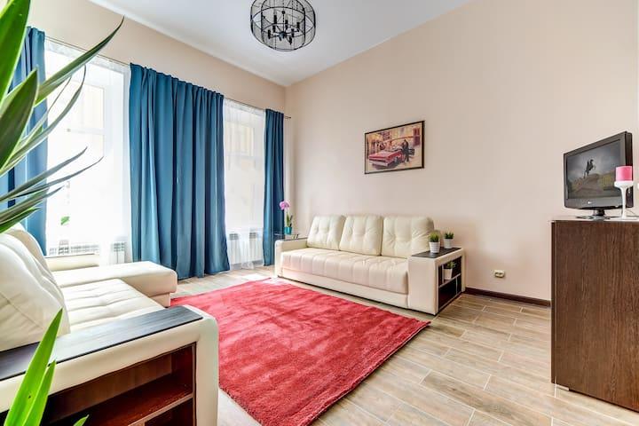Просторные апартаменты у Невского Проспекта