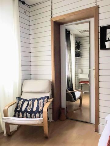 Chambre lumineuse avec douche privée