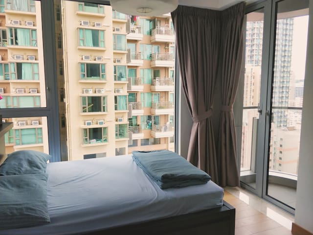bright studio in the heart of wan chai