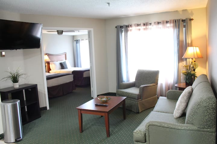 Explore Everything Orlando Offers (Room # 320)