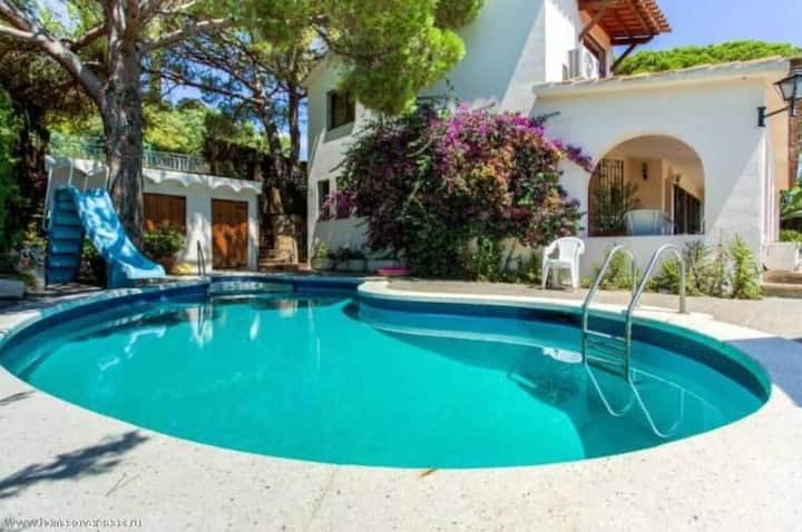 Villa Santa Marta 2, 5 bedrooms, 3 bathrooms, view of the sea, swimming pool