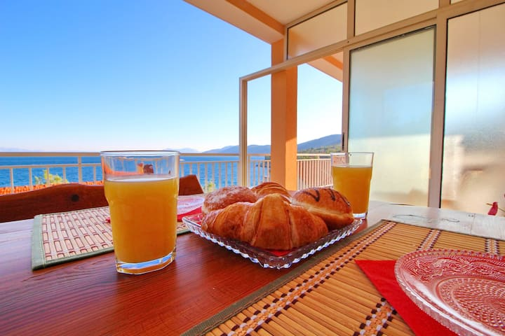 Apartments Villa Barbon - One Bedroom Apartment with Terrace and Sea View