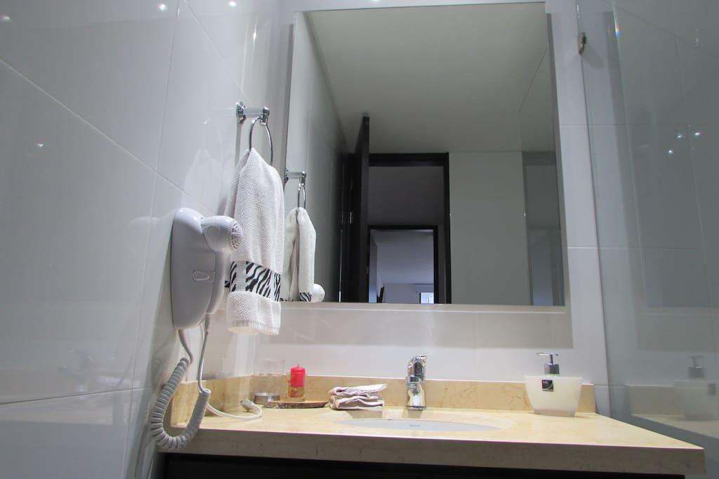 Baño / Bathroom bedroom