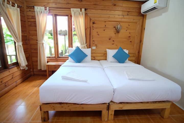 Tonsak Resort Deluxe room Sai Keaw Beach Samed