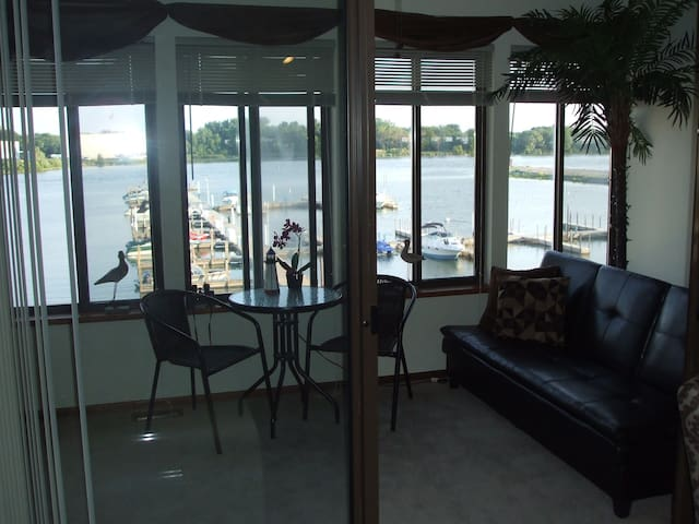 Fabulous Harbor BedRoom, with Bistro and Futon. Dine or Sleep by the Harbor.