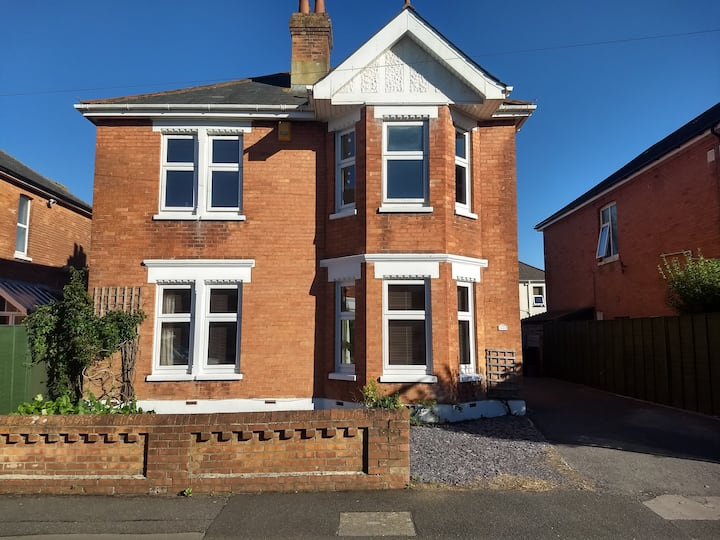 Large Spacious Period Edwardian Detached House