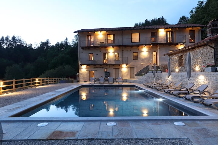 Villa Bracchi - Pool, Chef's Kitchen, WiFi