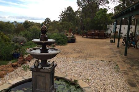Swan Valley Tranquil Bush Retreat, Perth 5Star +