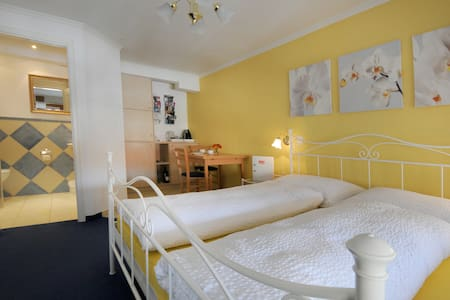 B&B Siglistorf rooms shower/toillet and breakfast