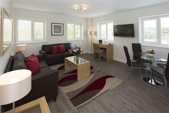 Stylish & Modern Two bedroom in Central Bracknell