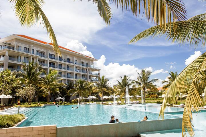 Danang Beach Luxury 2BR Apartment