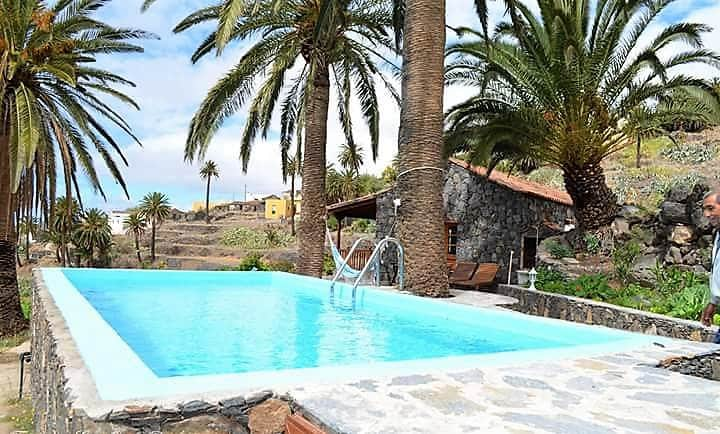 Casa Rural Sola con piscina privada