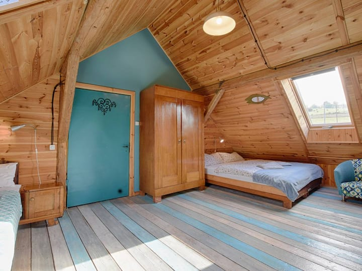 Turquoise Room with bathroom