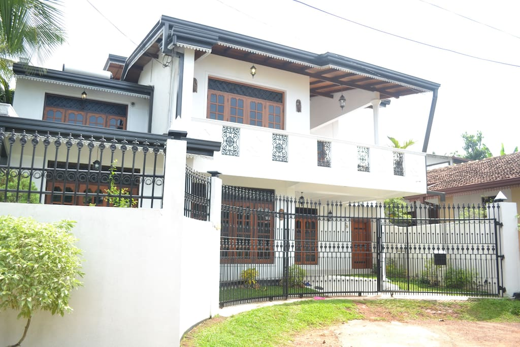 Bungalows For Rent In Moratuwa
