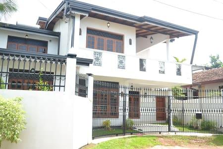 Luxury House for Rent - Moratuwa