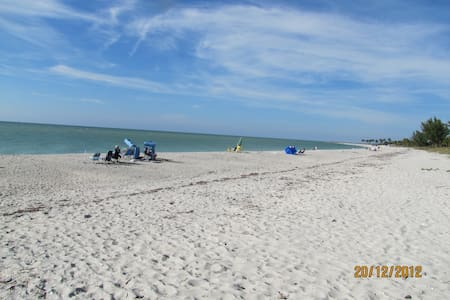 SPEND CHRISTMAS ON THE BEACH AT CAPTIVA ISLAND - Остров Каптива