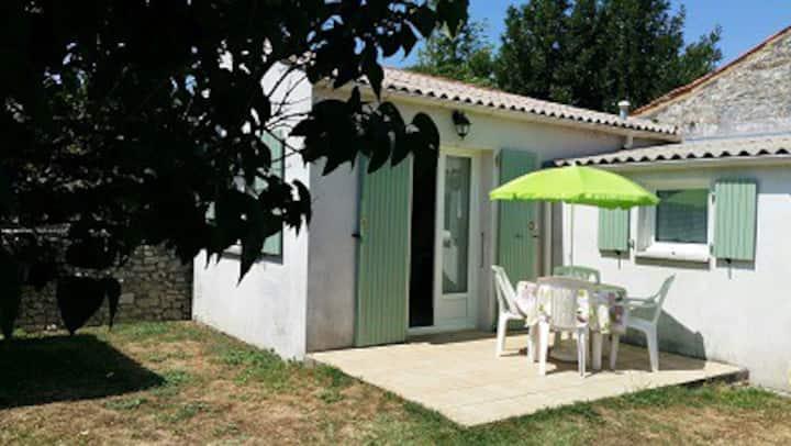 studio avec jardin au pied de l'île d'Oléron
