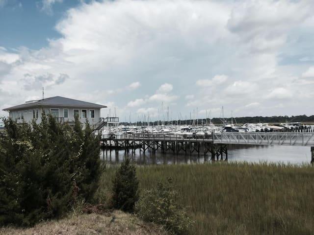 Yacht Club is a 10 minute walk - a GORGEOUS Walk I might add...