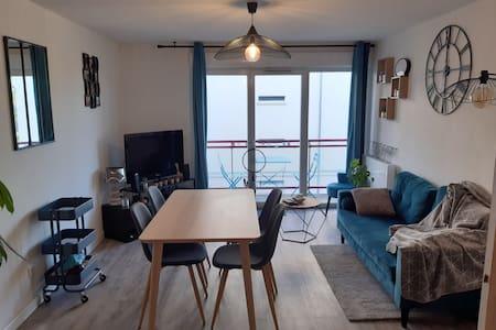 Appartement chaleureux 20 min à pieds centre ville