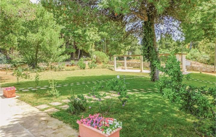 Amazing home in Nardò with Outdoor swimming pool and 3 Bedrooms