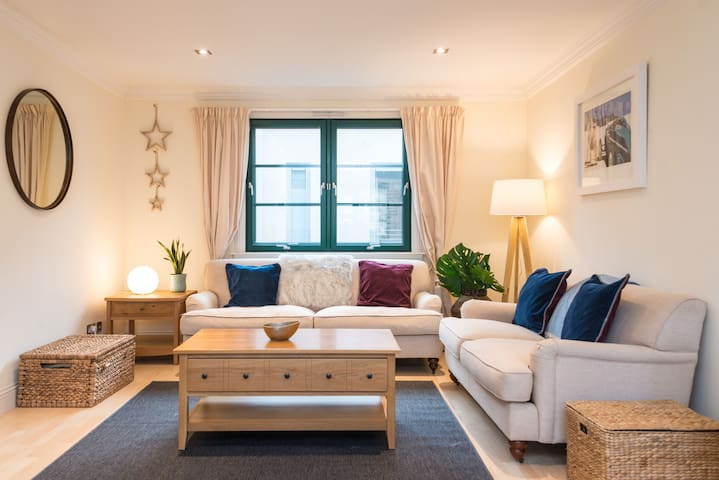 Beautiful mews house in an exceptionally central but quiet location, nr to an airport tram stop.