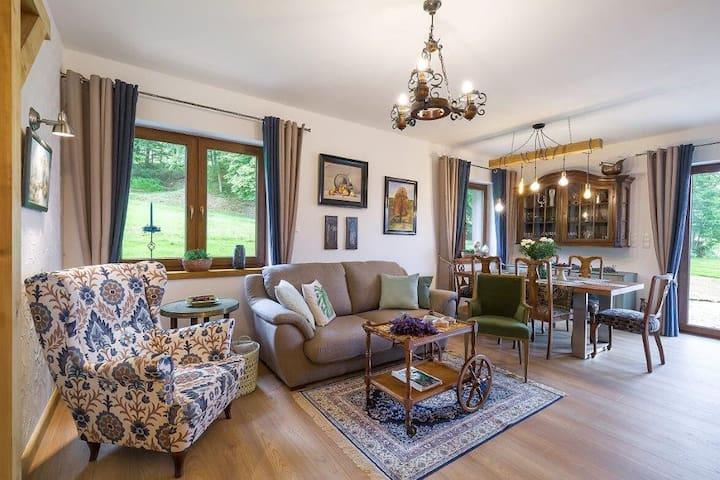Apartament w Marczycach - parter domu z ogrodem