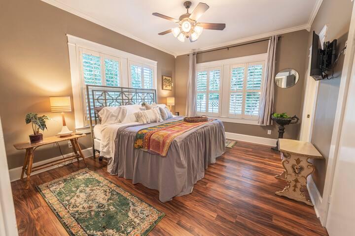 Master Bedroom w/ Private Bathroom.  King Bed, Smart TV, & Sonos speaker