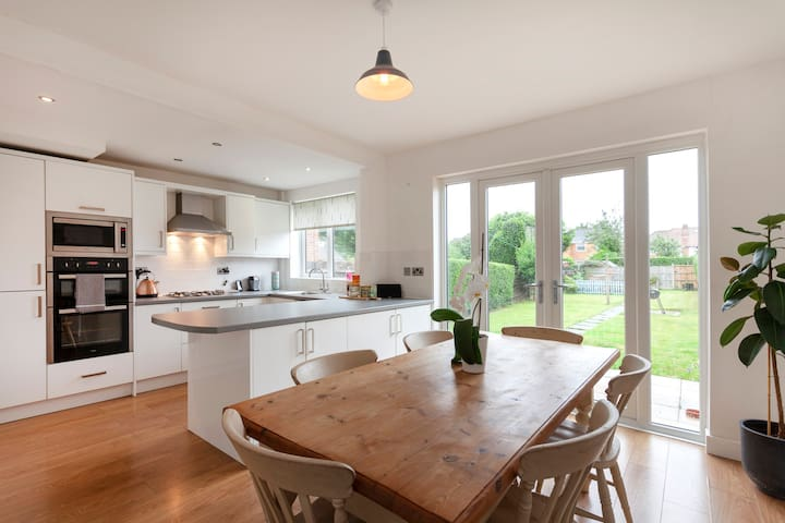 Light, fresh, airy home near countryside and city.