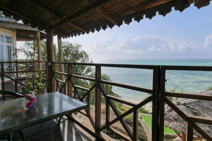 Spacious Ocean View Suite - Villa Fleur de Lys