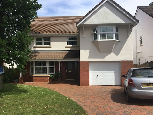 Detached Comfortable Home