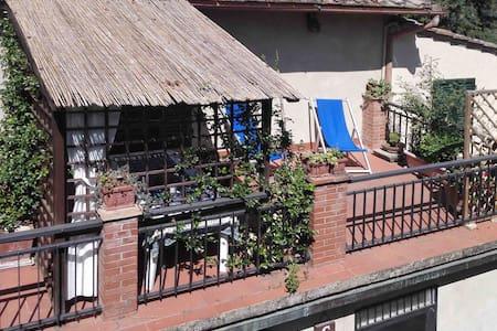 Delizioso bilocale con Terrazza e Piscina - Certaldo - Apartment