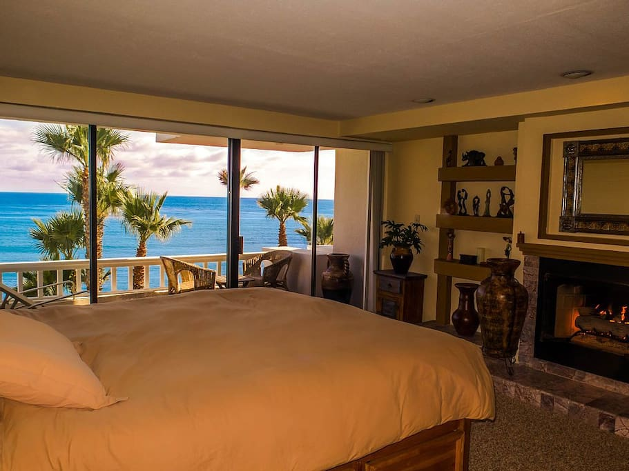 Master bedroom where you can check the surf & views without getting out of bed!