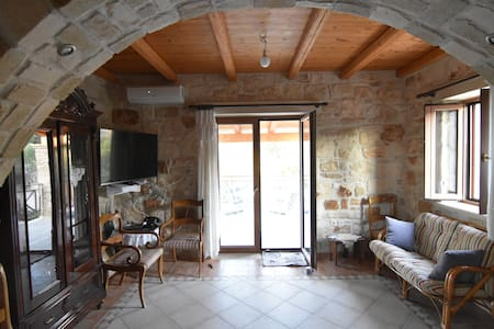The villa Akrotiri - Zakinthos - Huvila