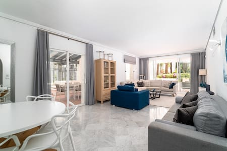 BRIGHT NEW APARTMENT IN PUENTE ROMANO