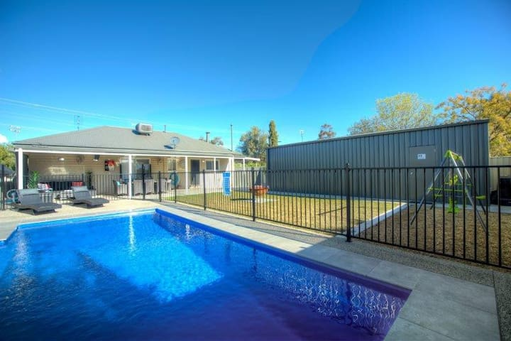 Trotters Retreat - Echuca Holiday Homes