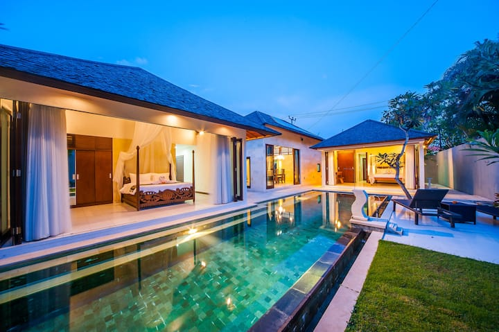 """75% OFF""  2BR Kaya Villa a few min to Beach"
