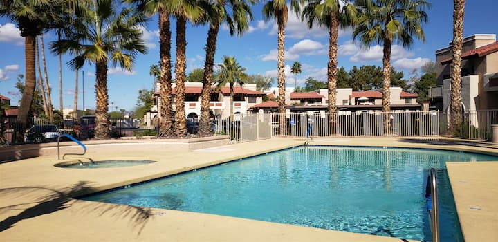 New Listing! Longer stay discounts! Condo w/ Heated Pool, Hot Tub, Near Walking Paths