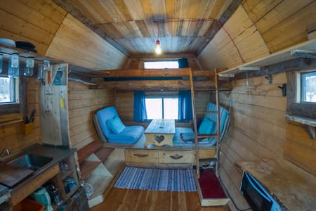 Off Grid Tiny House in the Forest