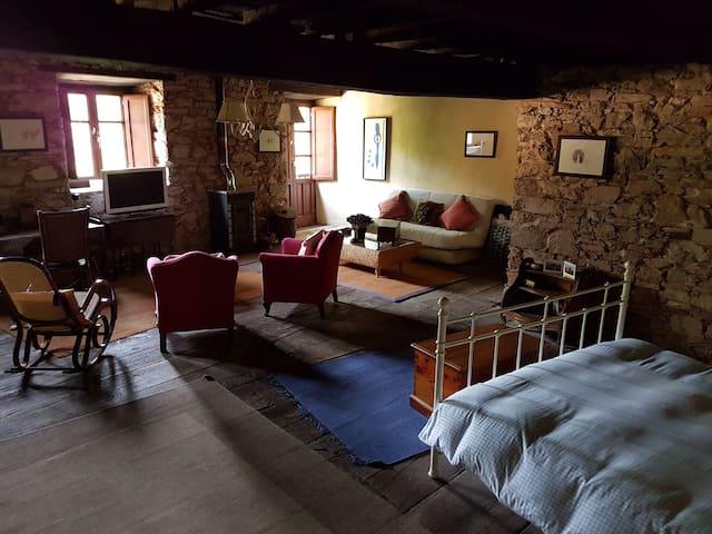 Casa de pueblo para descanso y ocio - Corullon - Hus