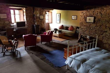 Casa de pueblo para descanso y ocio - Corullon - Dom