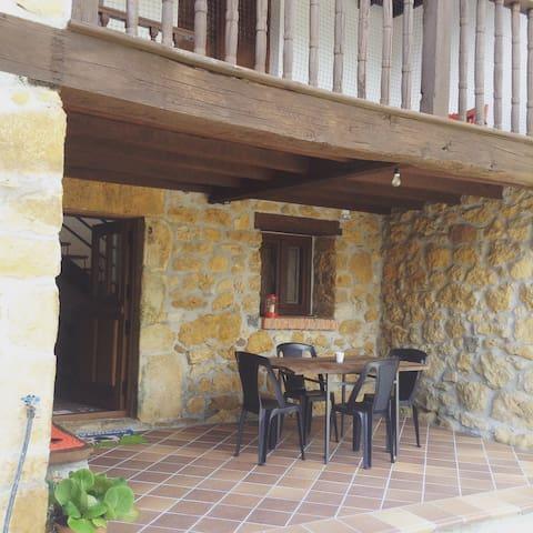 Casona asturiana SXVIII - Cangas de Onís - Rumah