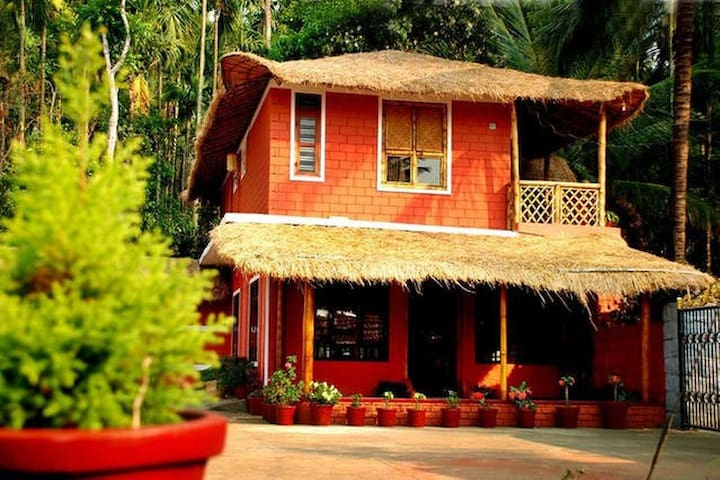 Bamboo Cottage ( 1 Dormitory+ 2 Double Bedrooms) - Panamaram - Bed & Breakfast