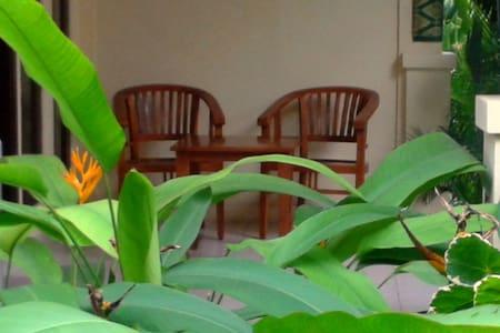 Adisiya Home stay I Pemuteran - Bungalov