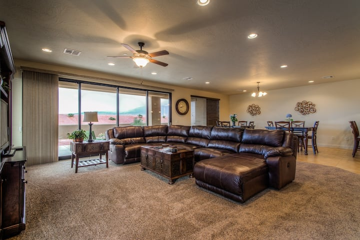 3 Bd. Grand Suite 2400 sq ft at Sand Hollow Resort