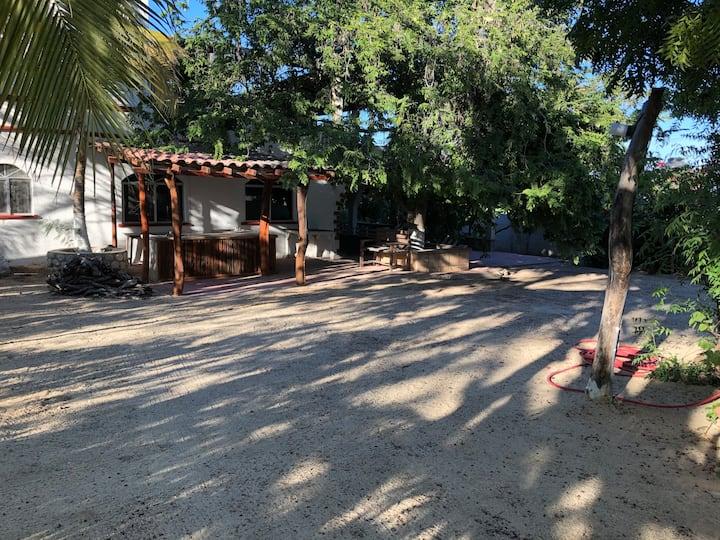 Casa Campestre, (a few steps from the beach)